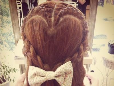 結婚式髪型【羨ましがられ可愛い簡単ミディアムハーフアップ