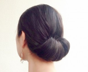 結婚式 ゲスト 髪型 ミディアム 黒髪
