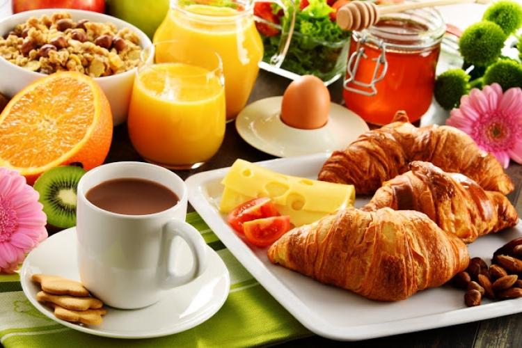 ディズニーランド ホテル 新しい ウィッシュ カフェ 朝食